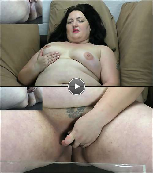 Light skinned sexy porn star